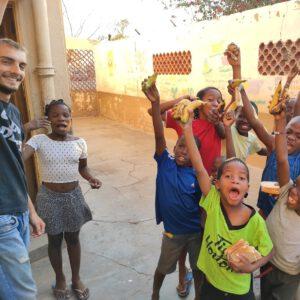 Les enfants du centre au moment du repas - Mission ASBNC